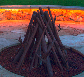 firepit-with-seating-accent-lighting