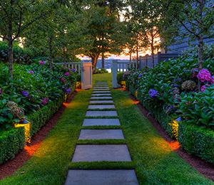 garden-pathway-lighting