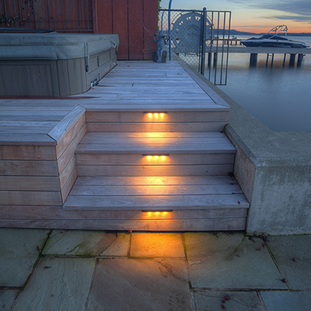 downlighting-on-patio-steps